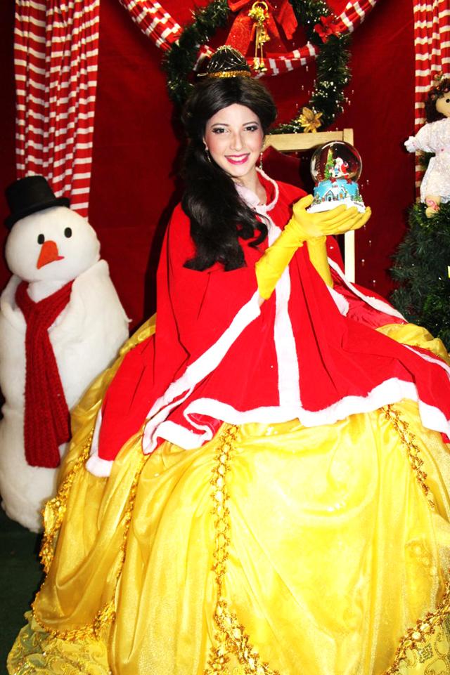 4-O-Natal-encantado-da-Bela-e-a-Fera-682x1024