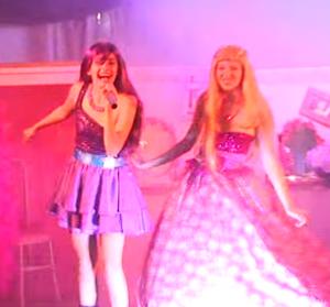 """POP Star o Show em """"Aqui Estou"""" versão de """"Girls Just Wanna Have Fun"""""""
